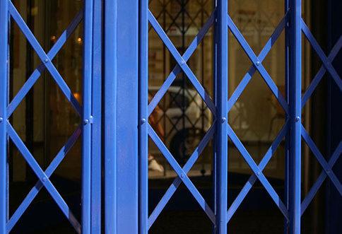 nůžkové shrnovací mříže do oken Next Plzeň